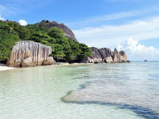 The charm of the Seychelles in Lagoon 620